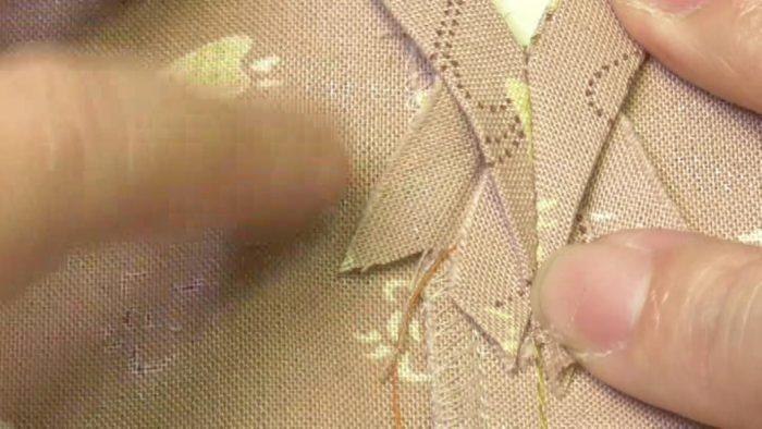 尖らせるバイヤステープ 中縫いの手前