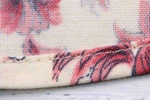 裾のカーブ