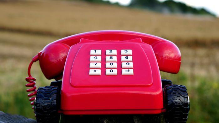 営業からかかってきた電話