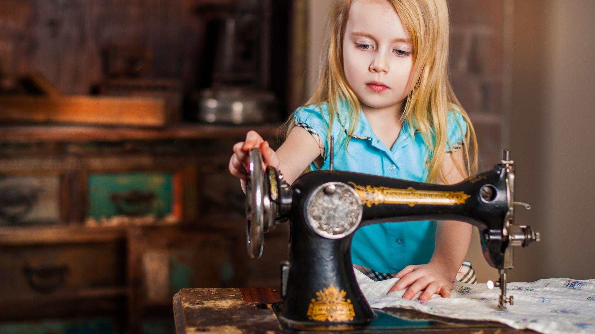 洋裁教室や独学でお悩みの方に最適な24時間自宅で学べる365回講座 あなたの夢を確かなものに 縫いたい.net Lataちゃん 幼い時に作りたいと願った想いを叶えるお手伝いをします。洋裁教室や独学でお悩みの方に最適な24時間自宅で学べる365回講座